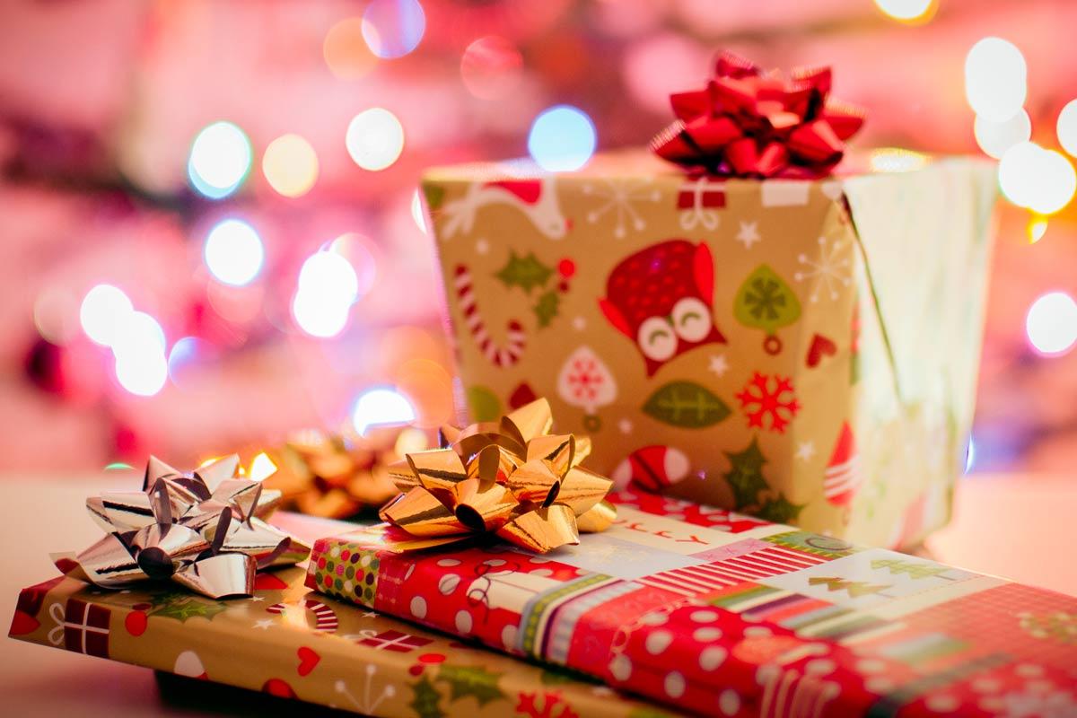 save money on Christmas shopping - secret Santa