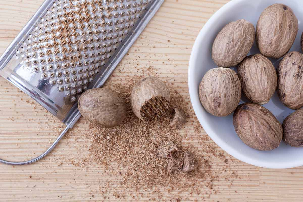 top 5 poisonous foods - nutmeg